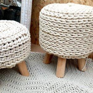 Háčkované stoličky